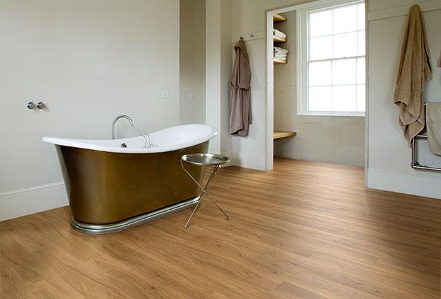 CF-Bathroom12-RolltopBath-v3